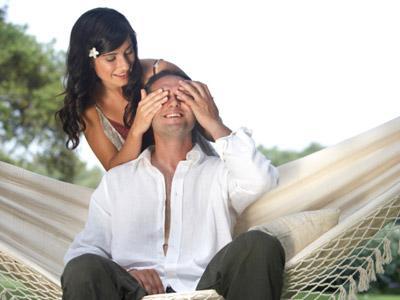 سبعة نصائح لتعيشى مع زوجك فى شهر عسل دائم - honeymoon