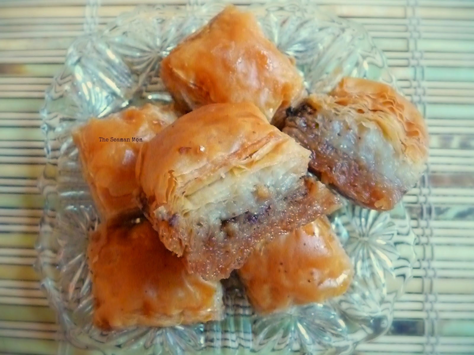 http://www.theseamanmom.com/2014/05/Turkish-Baklava-with-walnuts.html#.U29ctii9ahI