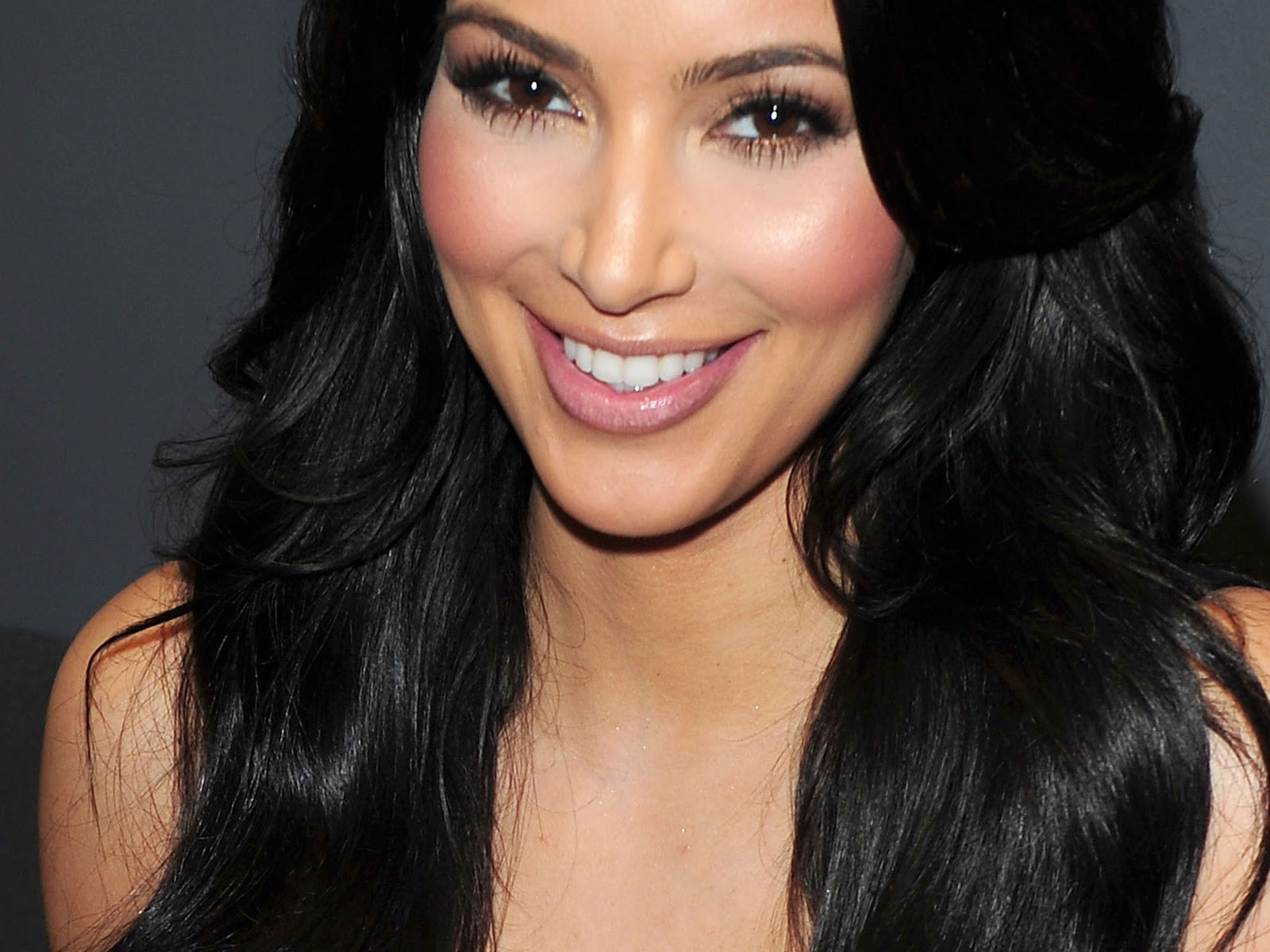 Kim Kardashian: Kim Kardashian Hot Wallpapers