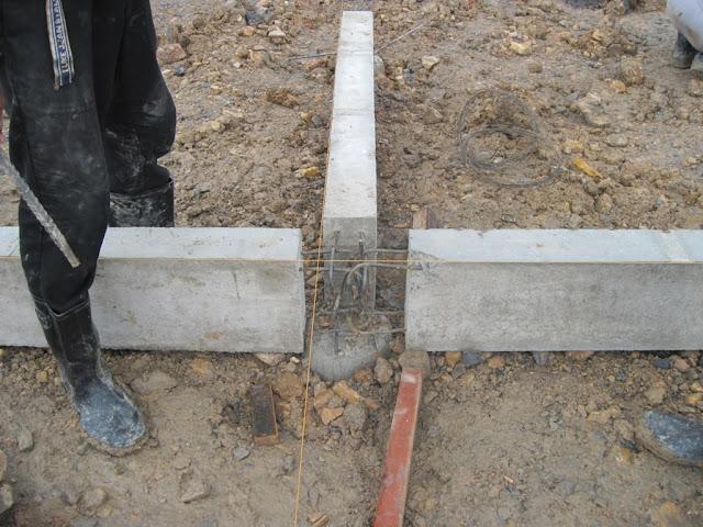 pemasangan sloof beton precast
