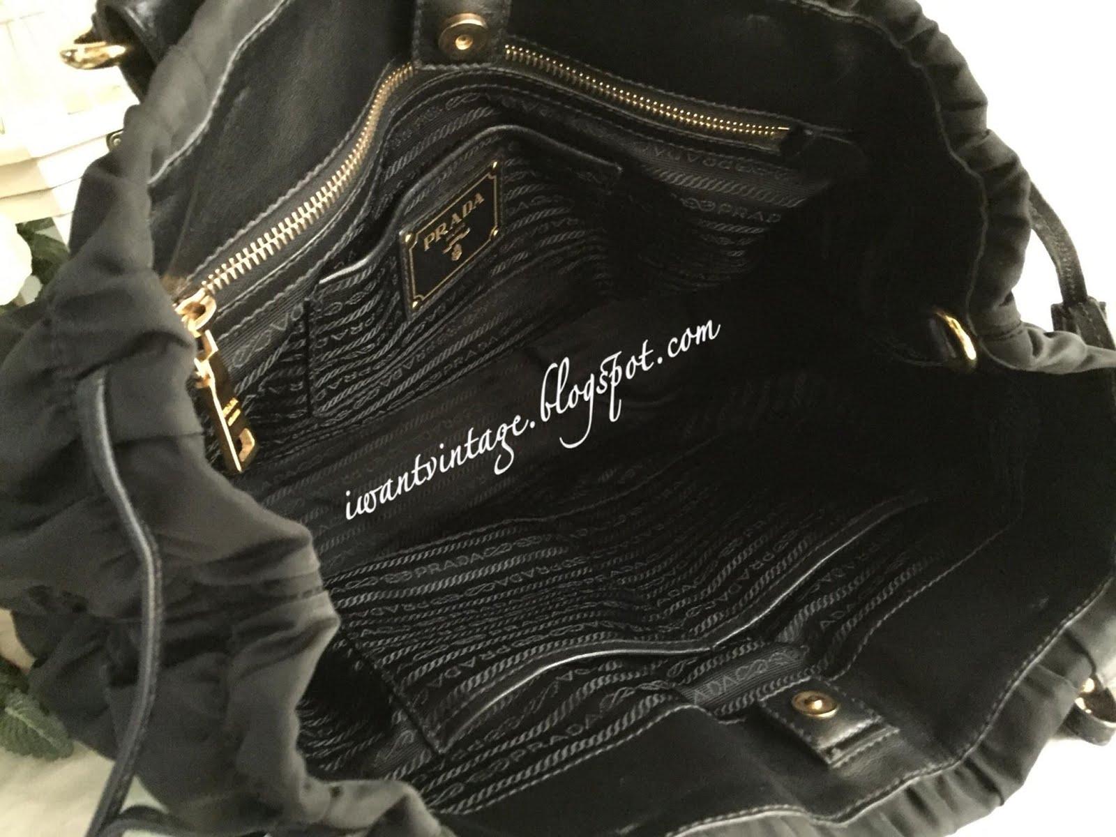 1cbbb623edcd ... closeout prada bn1788 gaufre tessuto nylon bag black 8ceb9 b3a8d