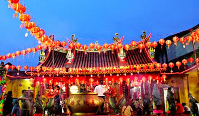 Wisata ke Kalenteng Hien Kiong  Padang