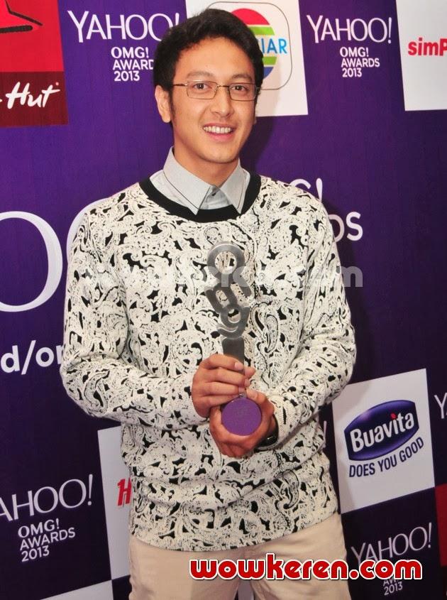 Ini waktu Dimas Anggara memenangkan Most Stylish Male di Yahoo OMG    Foto Dimas Anggara Dan Febby Blink