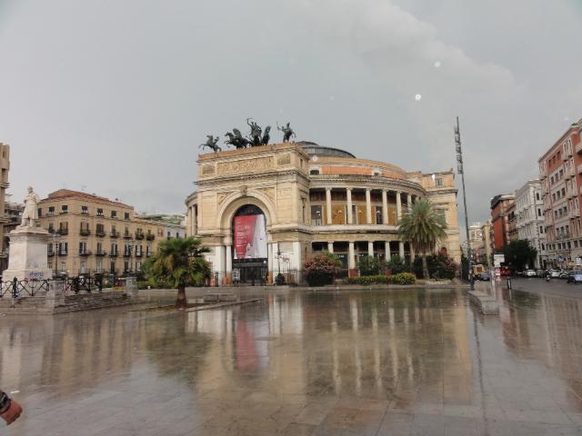Palermo, allerta flop. Si difende Orlando: