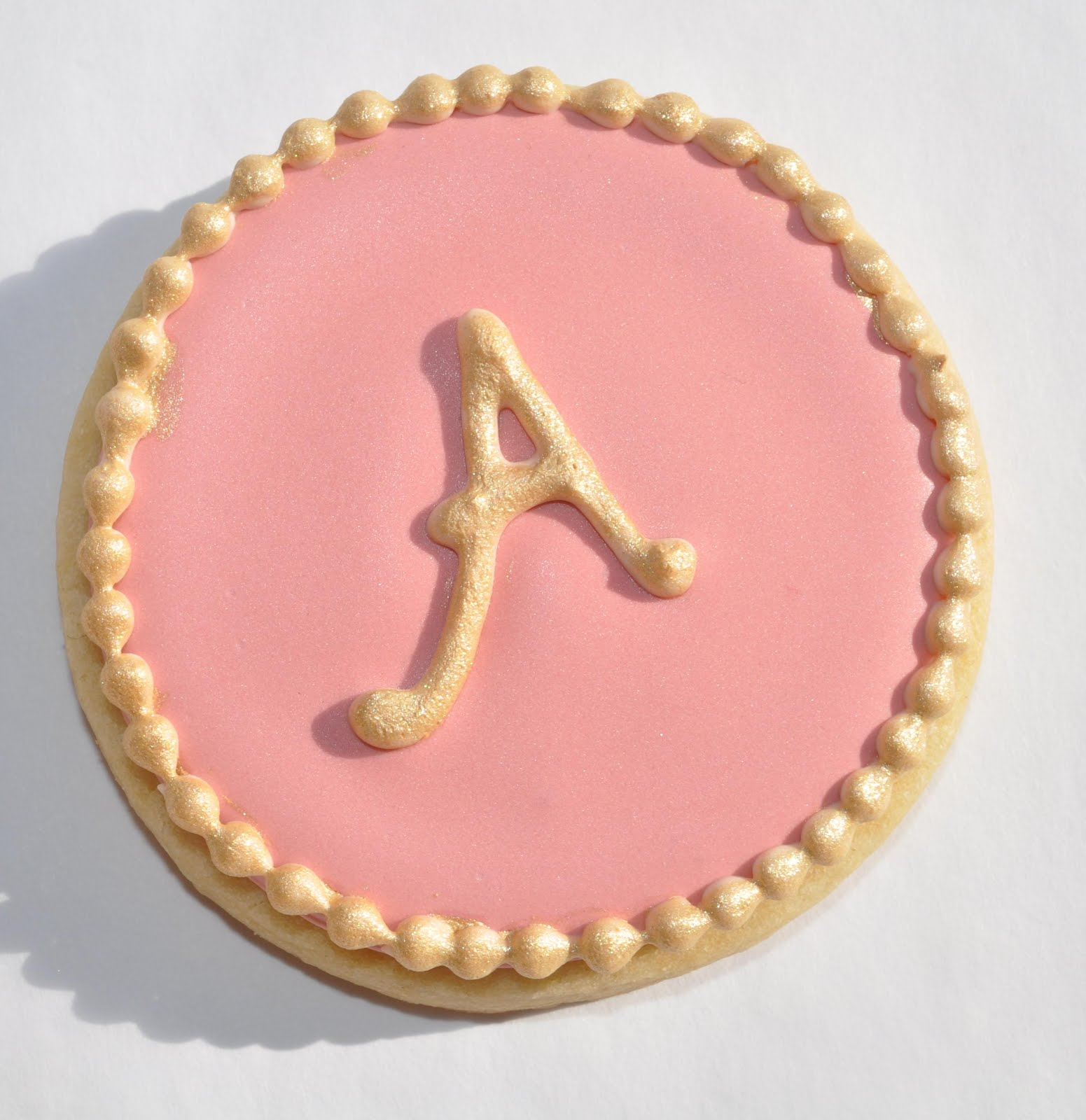 how to write letters on cookies