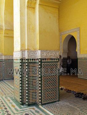 perfect colonnes et riad en zellige marocain du fes beldi fassi with zellige beldi marocain - Zellige Beldi Une Colonne Dans Un Salon Moderne