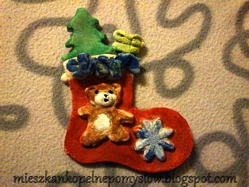 http://mieszkankopelnepomyslow.blogspot.com/2014/12/skarpeta-bozonarodzeniowa-na-konkurs-w.html