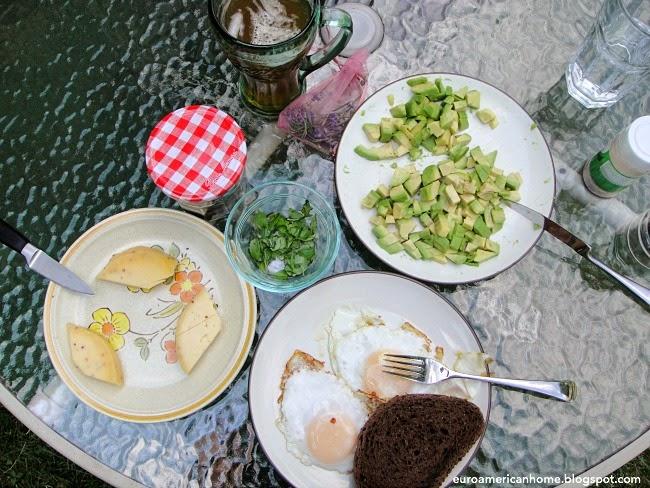EuroAmericanHome: Sunny side up eggs and avocado on toast