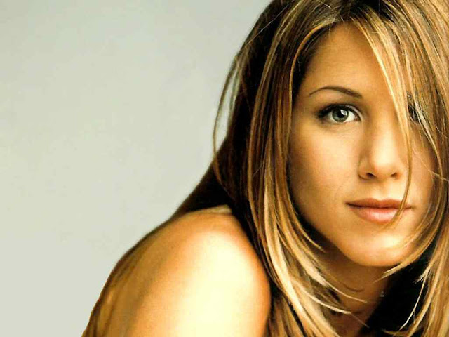 Jennifer Aniston Biography and Photos Gallery 2011