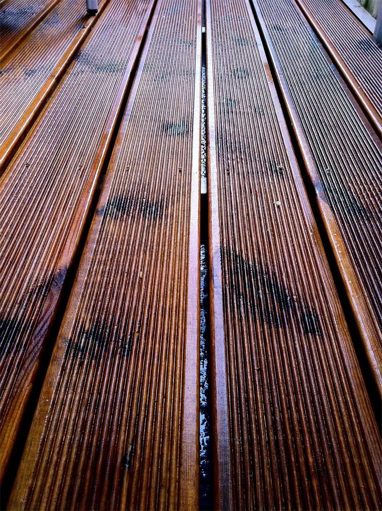 Decobasic diy duckboard balcony for Balcony translate