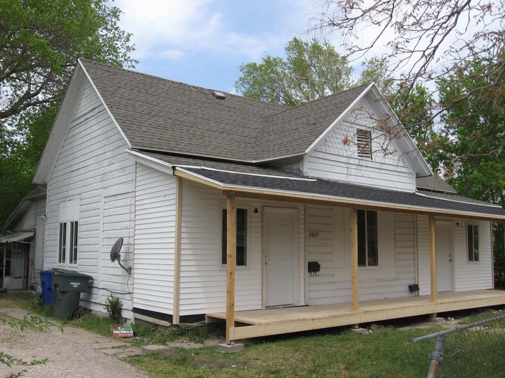 Ogden insights porches of pity enclosed porches on old homes for Enclosed front porch pictures