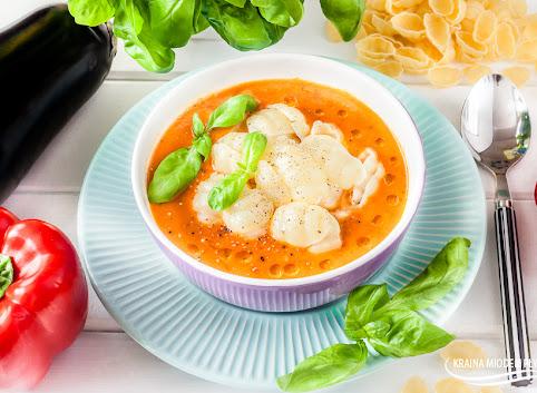 Włoska zupa krem z bakłażana i papryki
