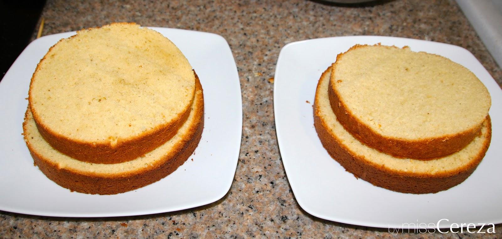 montando dos naked cakes
