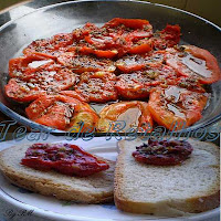 Tomates Secos feito em forno de microondas. Gostosíssimo com pão italiano