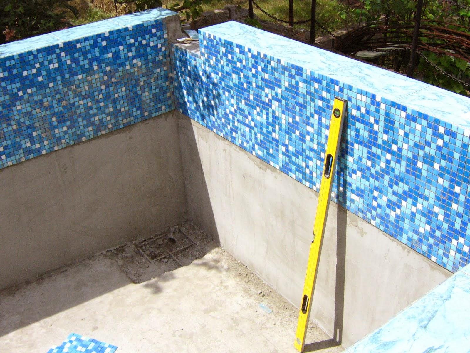 Укладка мозаики в бассейн