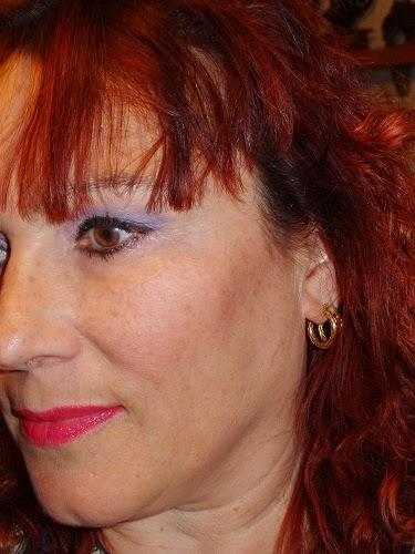 maquillaje de ojos morado y rosa