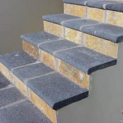 pavimento en color gris para escaleras con piedra artificial