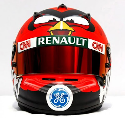 Helmet 'Angry Birds' milik Heikki Kovalainen, pemandu F1 kelahiran Finland yang ditaja oleh Rovio.