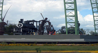 Monumento a la entrada de San Pedro de Macorís