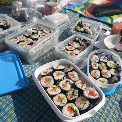 Sushi picnic in London park