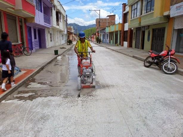 Informativo del guaico avanzan trabajos de reposici n de for Corte de pavimentos de hormigon