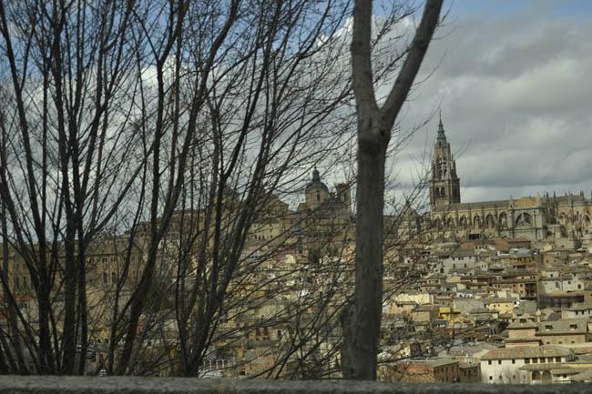 Catedral toledo nubes grises