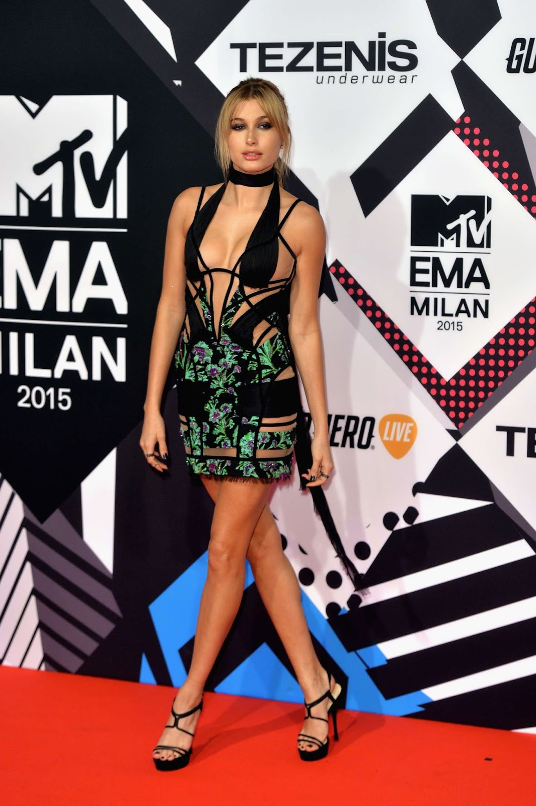 Hailey Baldwin – MTV European Music Awards in Milan