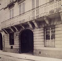 Balcon du 18-20 quai d'Orléans à Paris, photo de Atget en 1906