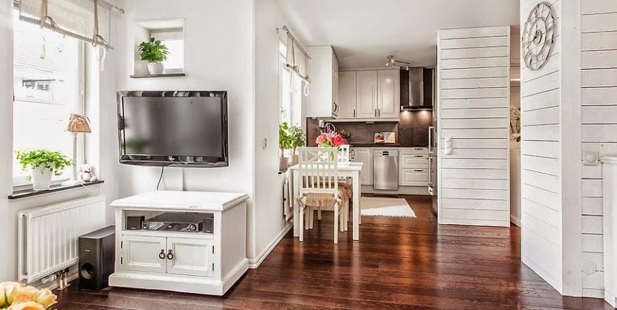 kawalerka, małe wnętrze, salon, sypialnia, białe wnętrze, kanapa, styl skandynawski, kuchnia