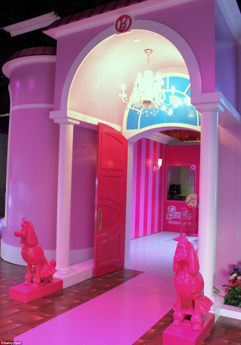 Cabelkawan la maison de barbie en taille r elle - Barbie grandeur nature ...