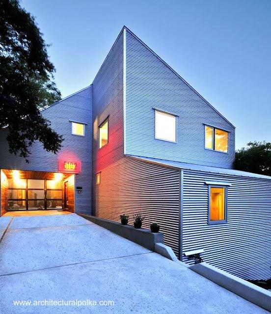 Residencia amplia construida en metal en Estados Unidos