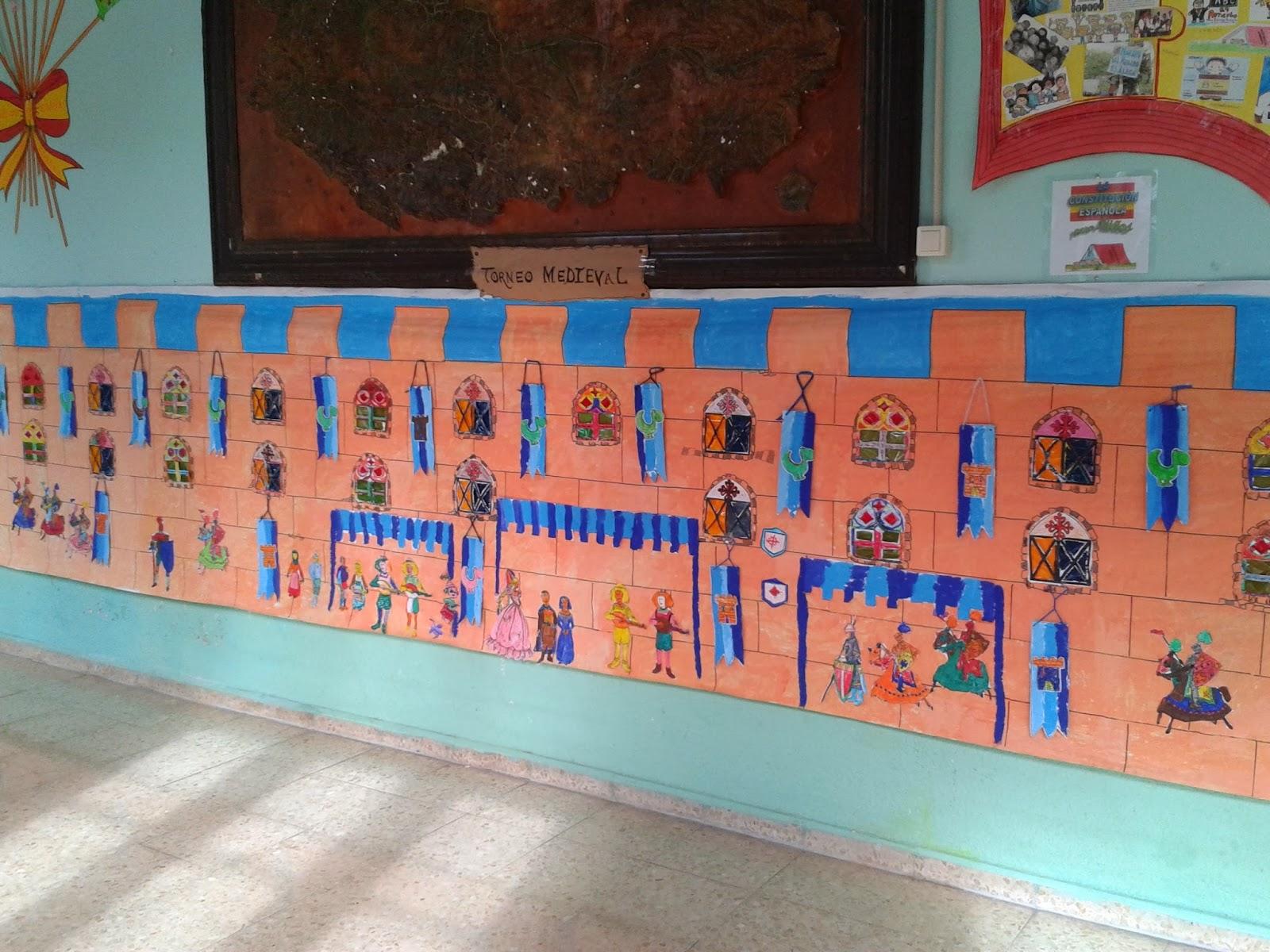 Los peques de feli nuestro mural de la edad media for Mural una familia chicana