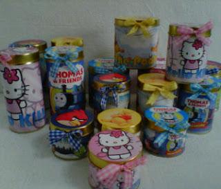 http://4.bp.blogspot.com/-9TFL5EenCyo/T0tDMviYIKI/AAAAAAAAAOI/DuOUcNgYw6s/s320/kaleng+souvenir.jpg