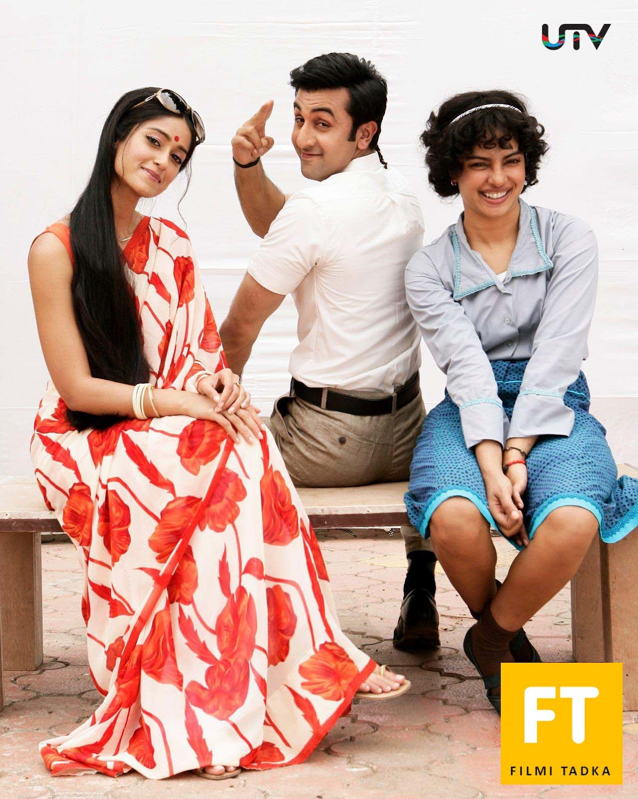 http://4.bp.blogspot.com/-9THwXIS4hQU/UG3w918wP5I/AAAAAAAAAc4/3wOf1s_cvX4/s1600/barfi_movie_wallpapers_20120828_1054461420.jpg