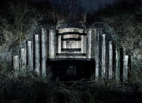 nuncalosabre. Abandoned WW2 bunkers. - Jonathan Andrew
