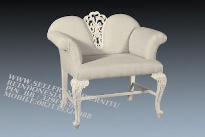 sofa jati jepara furniture mebel ukir jati jepara jual sofa tamu set ukir sofa tamu klasik set sofa tamu jati jepara sofa tamu antik sofa jepara mebel jati ukiran jepara SFTM-55115 jual mebel duco sofa duco jepara sofa klasik duco cat putih