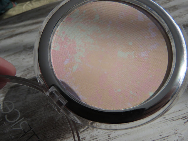CATRICE_colour_correcting_mattifying_powder
