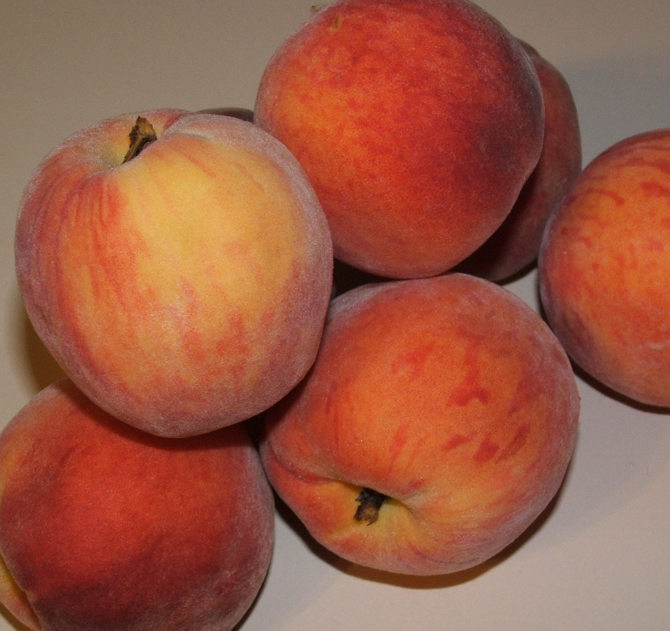 how to grow large sweet peaches