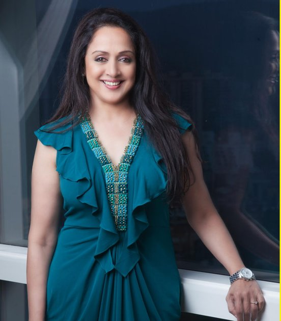 Hema Malini & Her Sweet Daughters Ahana Deol, Esha Deol Photo Shoot