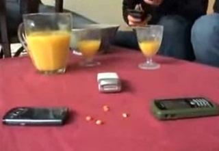 Ngeri, Radiasi Handphone Ternyata Bisa Bikin Popcorn Tanpa Api