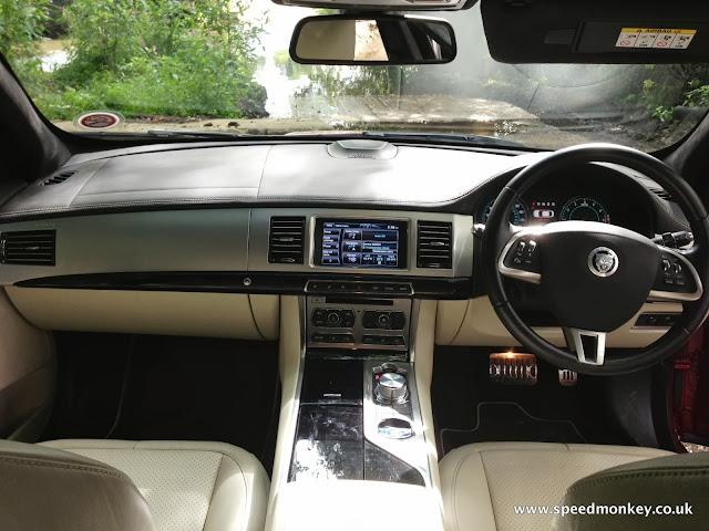 Jaguar XF V6 Portfolio interior