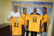 La ETED entrega uniformes a futbolistas de Jarabacoa