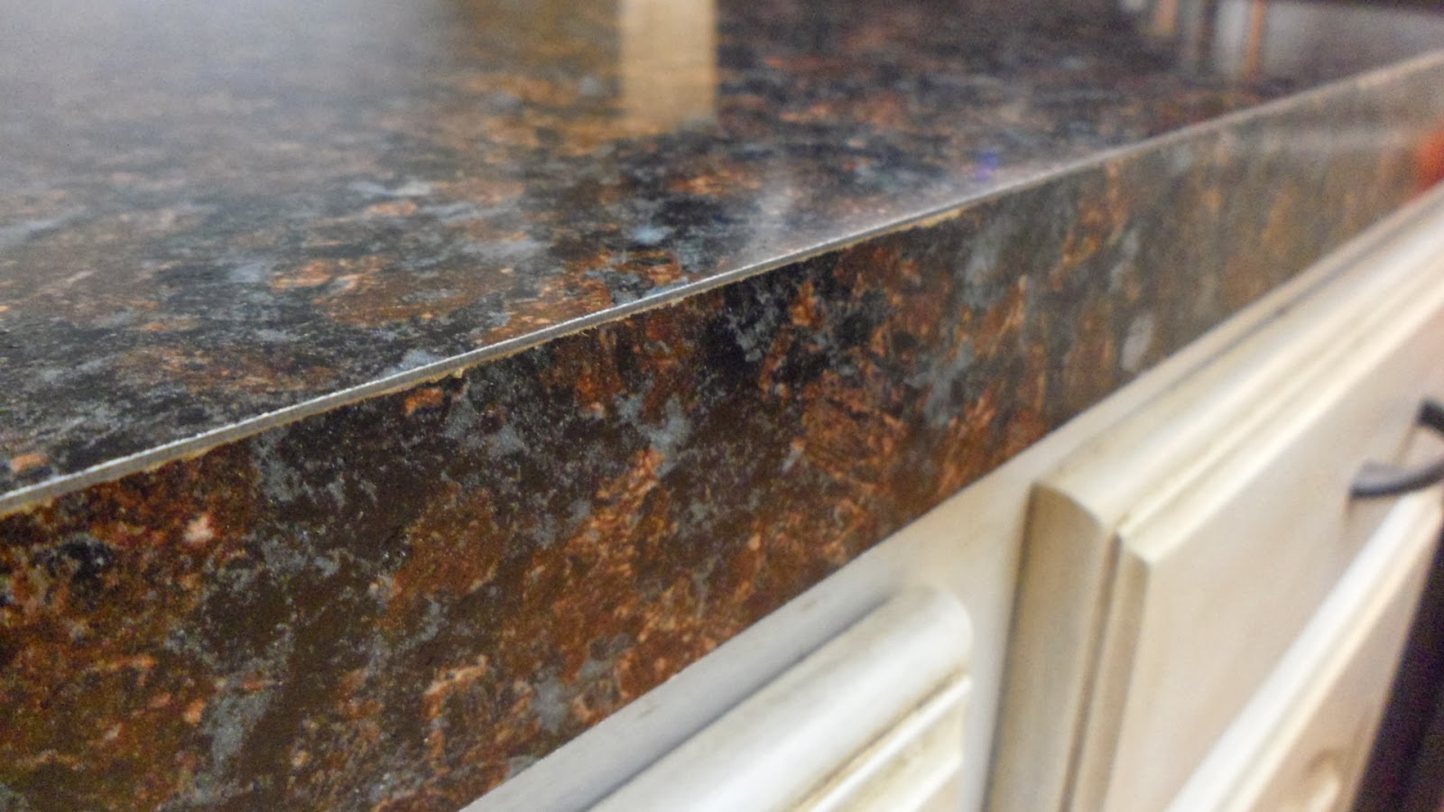 Laminate+Seam+Filler+for+Countertops The old laminate also had a large ...