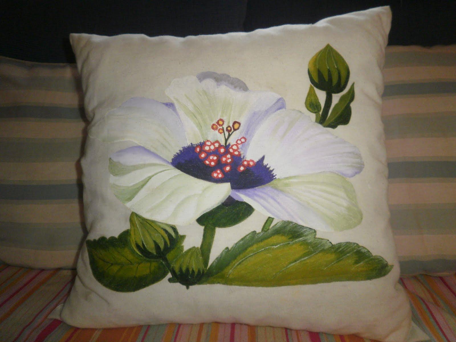 Lauralex en mis ratitos de todo un poquito pintura en tela - Cojines pintados a mano ...