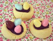 . un baño de chocolate y unos huevos de chocolate (que además están . galletas de pascua nueva