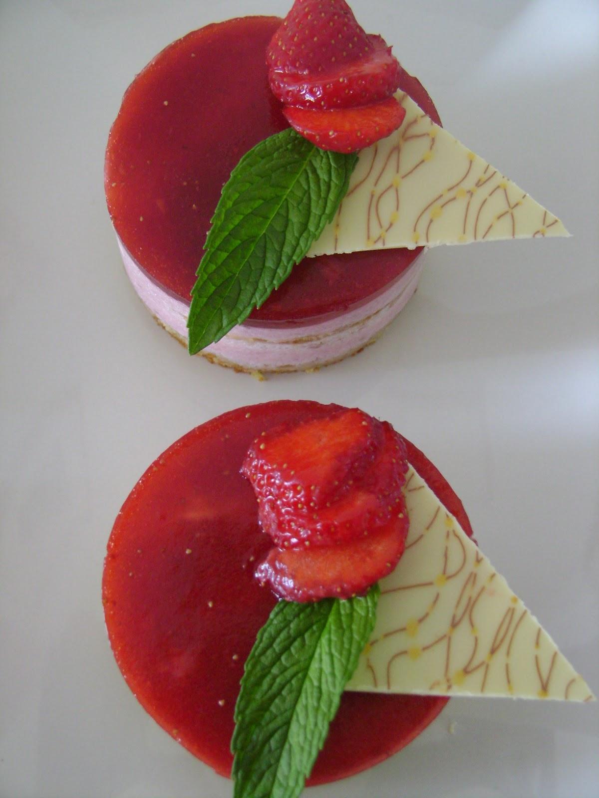 Les d lices d 39 amyss e mini bavarois aux fraises for Miroir aux fraises