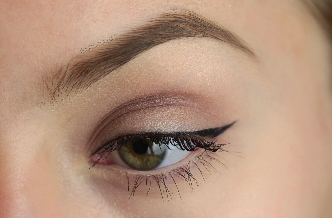 Timetocreateyourbeauty makeup schule makeup f r for Augen dezent schminken