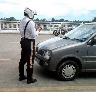 Police Summons at Kereta Sewa Tawau J3