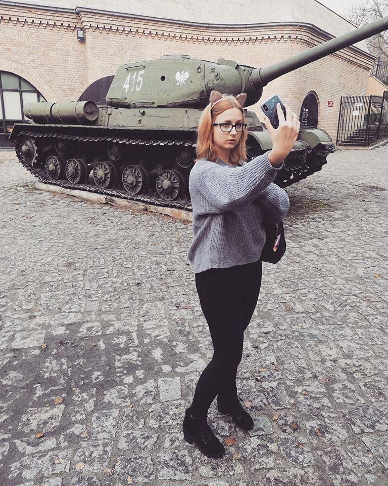 Cześć! To ja- Weronika Olimpia. Chcesz mnie lepiej poznać? Więc kliknij na zdjęcie poniżej!
