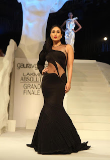 Kareena Kapoor Latest Pictures at LFW Winter Festive 2015 Grand Finale ~ Celebs Next